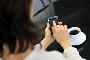 引越しの際にいちばん困るのが、新居で携帯電話の電波が入らない、もしくは弱いこと