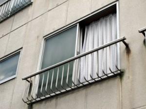 吊り作業の条件は「搬入口の真下に何も無いこと」