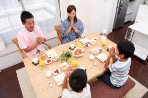 引越し当日、引越しの作業員たちはどのタイミングでお昼ご飯を食べるのか