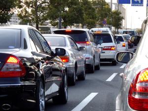 年末の交通渋滞は想像よりもひどいものになります